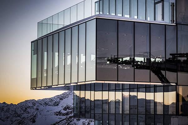 This is where Bond meets Dr. Madeleine Swann for the first time - ice Q Sölden, Ötztal valley