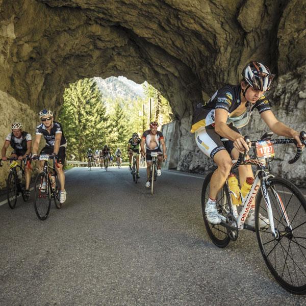 Letzte Kraftreserven mobilisieren beim Ötztaler Radmarathon in Sölden