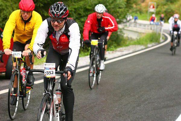 Abfahrt im Ötztaler Radmarathon in Sölden, Tirol