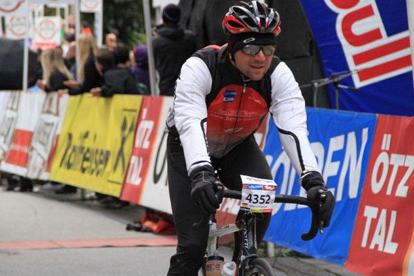 Zieleinfahrt in Sölden beim Ötztaler Radmarathon