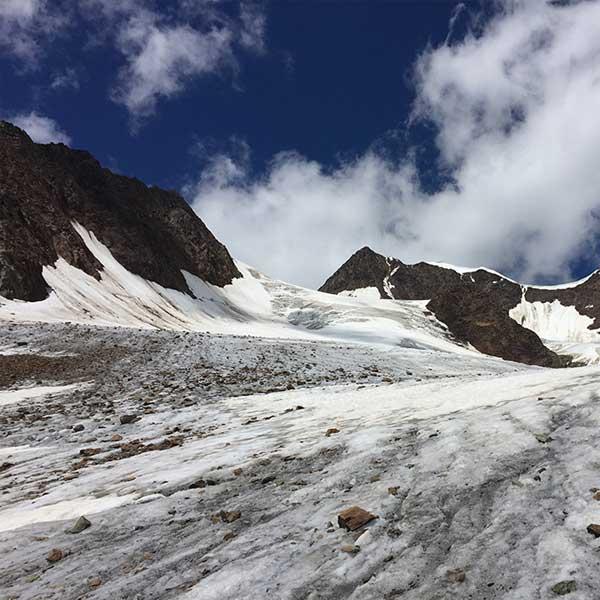 Gletscherfeld auf dem Weg zur Wildspitze - Ötztal, Tirol