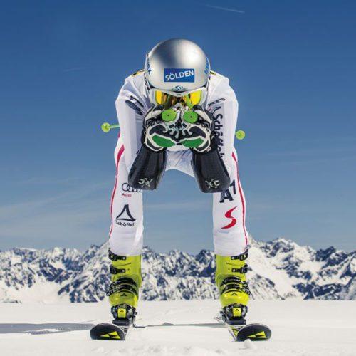 Fahrer beim Skiweltcup Auftakt Sölden