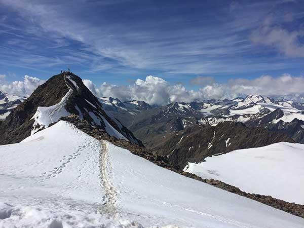 Die letzten Meter bis zum Gipfel der Wildspitze - Ötztal, Tirol
