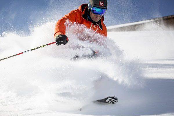 Skifahren am Gletscher in Sölden