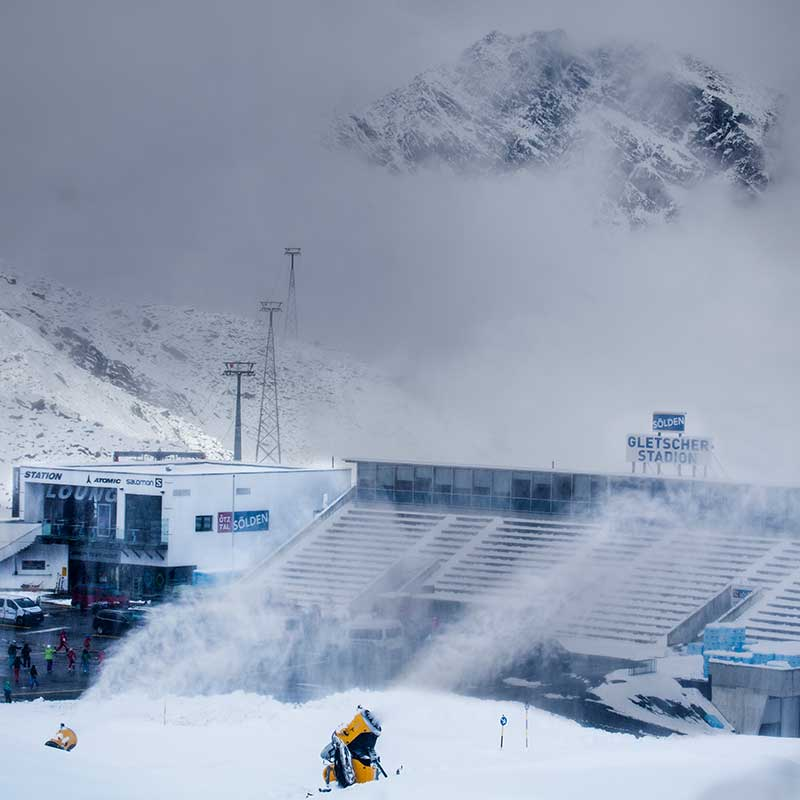 Mythische Stimmung im Gletscherstadion - Sölden, Ötztal, Tirol