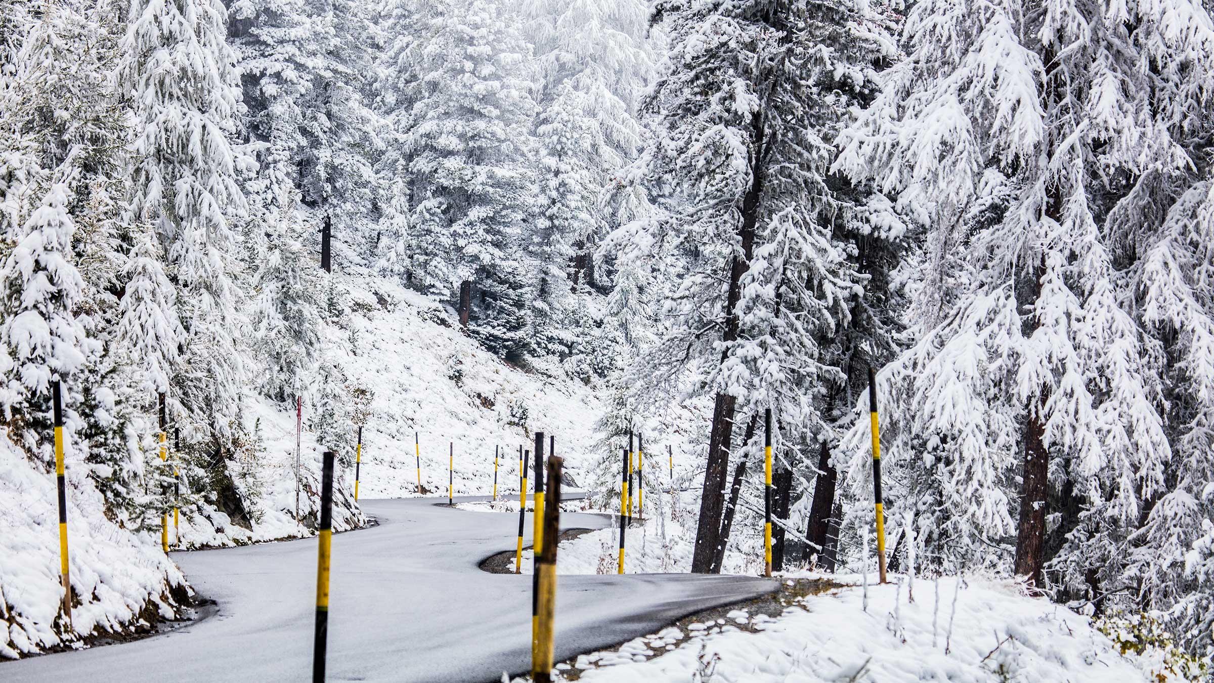 Verschneite Gletscherstrasse - Sölden, Ötztal, Tirol