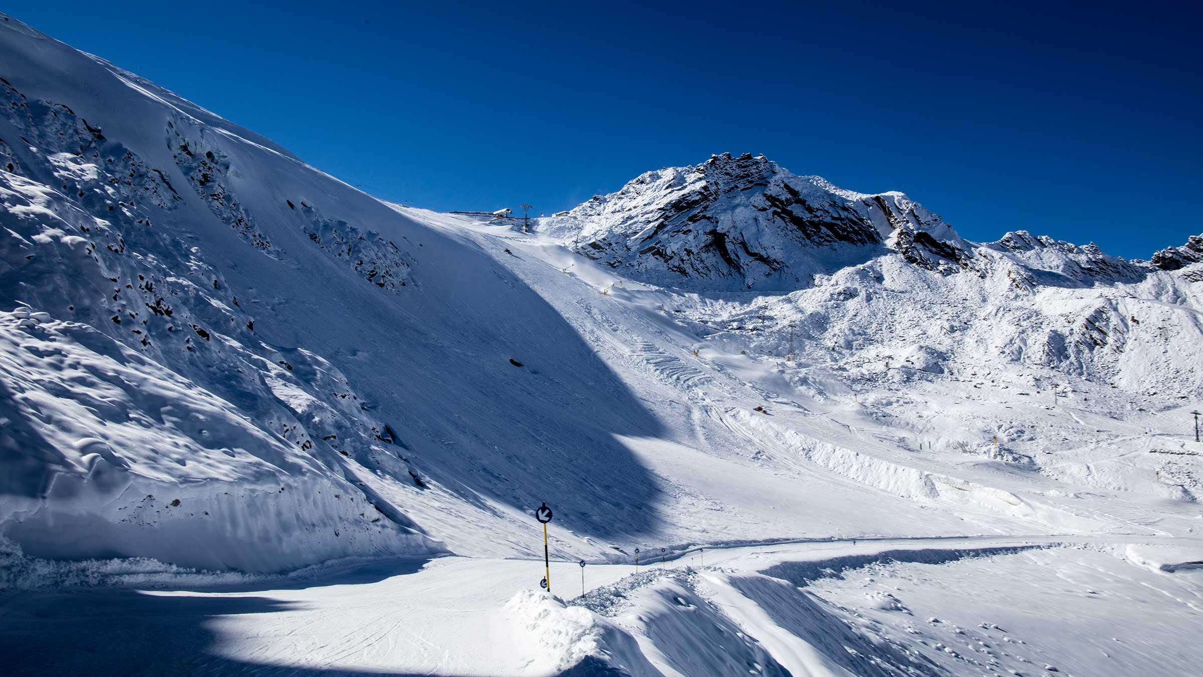 Weltcuphang mit Karleskogl im Hintergrund - Sölden, Ötztal, Tirol