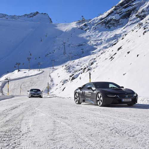 i8 vor Weltcuphang - BMW Winter Technic Drive Sölden