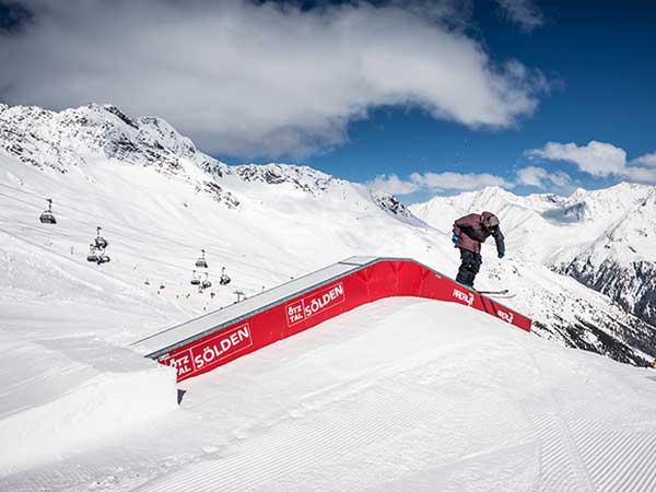 soelden-rechteck-skifahrer-auf-up-down-box-600x450