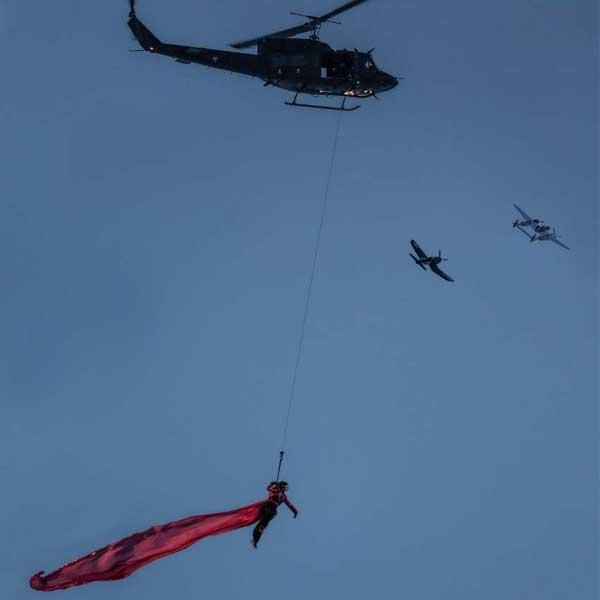 Schauspieler hängt an Hubschrauber - Hannibal Sölden