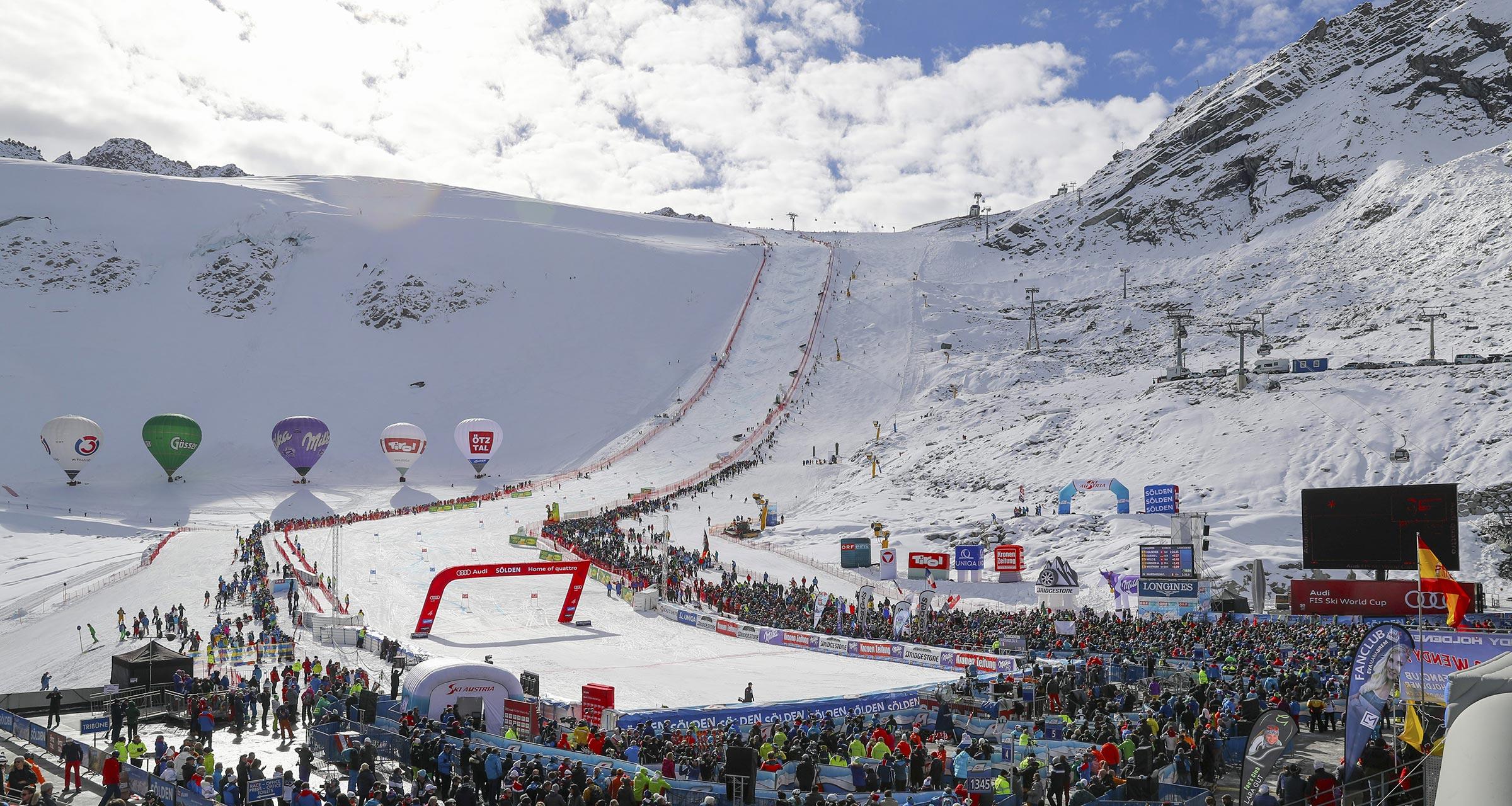Blick auf Gletscherstadion und Weltcuphang - Skiweltcup Sölden