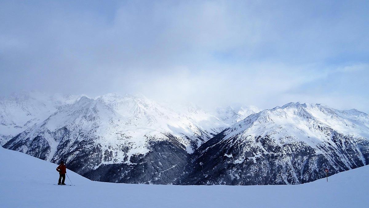 Blick vom Skigebiet auf Söldens Stille Seite - Pow(d)er Card Sölden