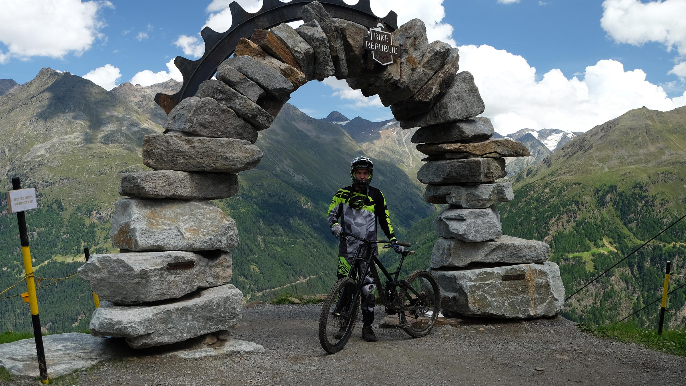 Tor zur Bike Republic Sölden - Bike Republic Sölden